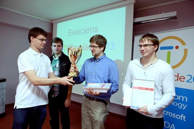 IT Olimpiādes finālā uzvar Rīgas Valsts 1. ģimnāzijas un Latvijas Universitātes jaunie programmētāji