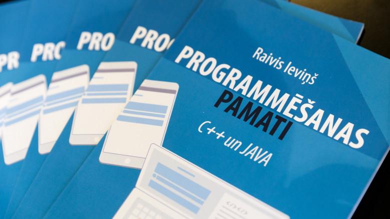 Jaunā grāmata skolēniem PROGRAMMĒŠANAS PAMATI. C++ un JAVA veicinās programmēšanas apguvi Latvijā